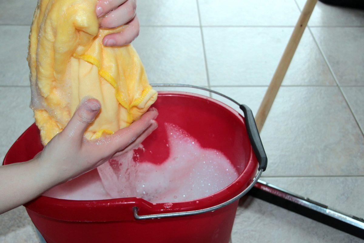 How to use FUZE multi purpose floor cleaner